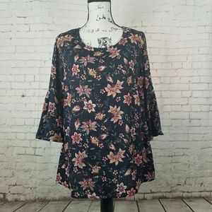 Bobeau Floral Bell Sleeve Blouse Size Medium NWT